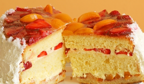 Ангелска торта с плодове
