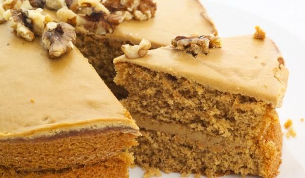 Орехов блат за торта