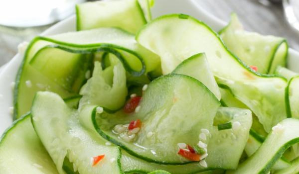 Сладка салата с краставици