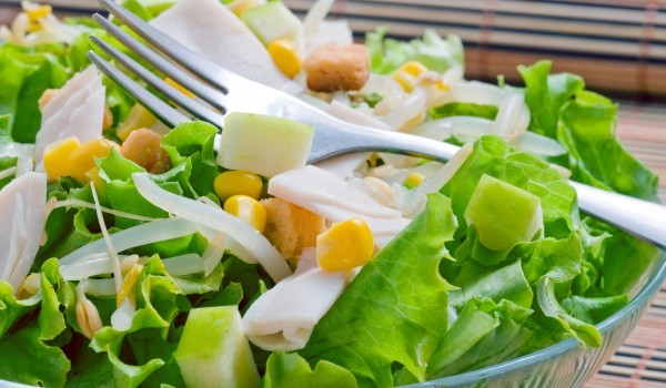 Лека лятна зелена салата