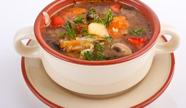 Френска зеленчукова супа със зеле