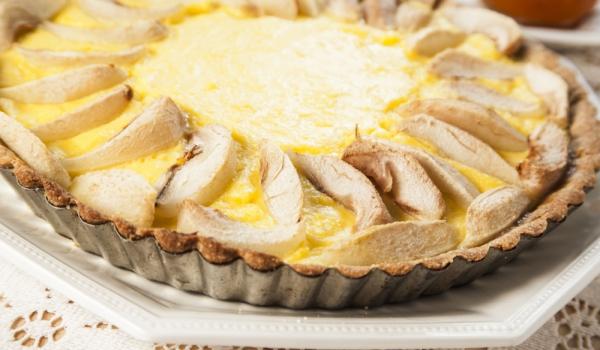 Сладкиш с круши и крема сирене